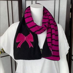Accessories - Double sided scarf.
